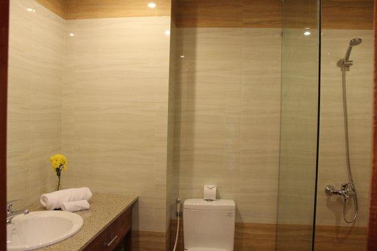 Kiman Hoi An Hotel & Spa: Toilet