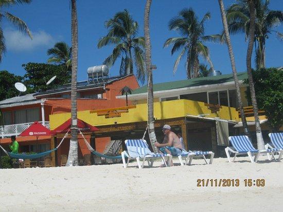 Cocoplum Beach Hotel: Foto do restaurante, literalmente na praia