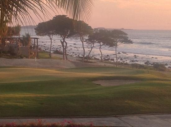 The St. Regis Punta Mita Resort : Sunset view