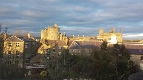 Pembroke Kilkenny: Evening view - with sun!