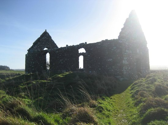 Culdaff, Irland: Approaching Church
