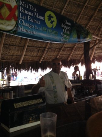 Las Palmas by the Sea: Edgar the bartender