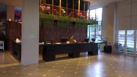 Baan Laimai Beach Resort: Lobby