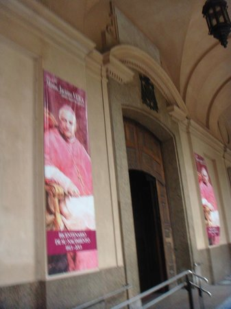 Catedral Metropolitana de Montevideo (Catedral Matriz): Ingreso