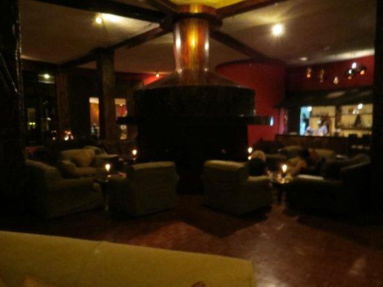 Ngorongoro Sopa Lodge: Kamin Lounge