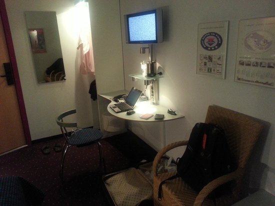 Cabinn Odense: working desk
