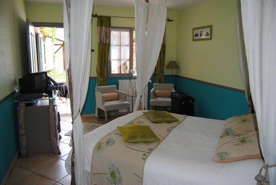 Le Mas des Cigales : onze kamer, Agapente