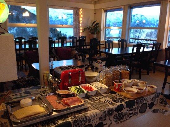 Magic Mountain Lodge: Great spread for breakfast!