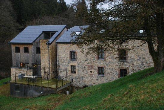 L'Auberge du vieux Moulin : Extérieur