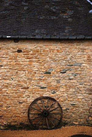 L'Auberge du vieux Moulin : La grange, en cours de réhabilitation