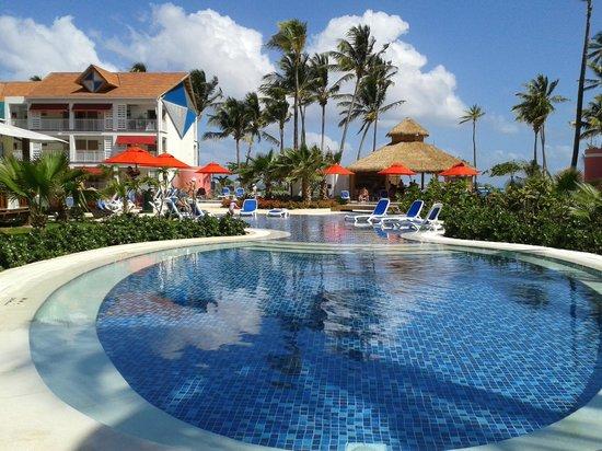 Decameron Isleño: piscina