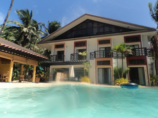 Microtel Inn & Suites by Wyndham Boracay: Pool View