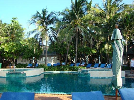 Banana Fan Sea Resort: бассейн
