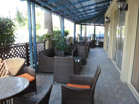 Kapetanios Hotel Limassol: на территории отеля