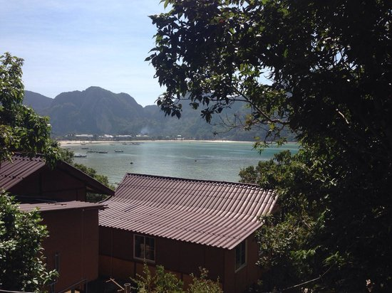 Phi Phi Sea Sky Resort : View from room deak