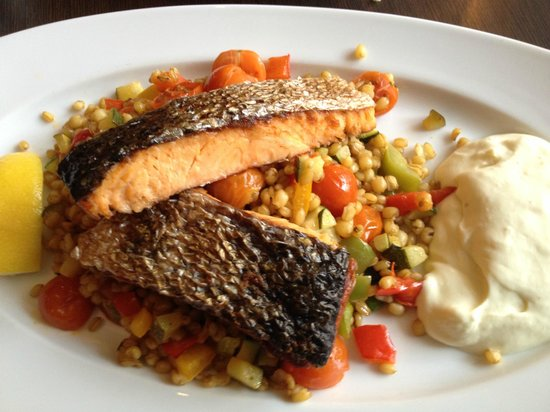 Stortorgskallaren: Smoked Salmon for lunch