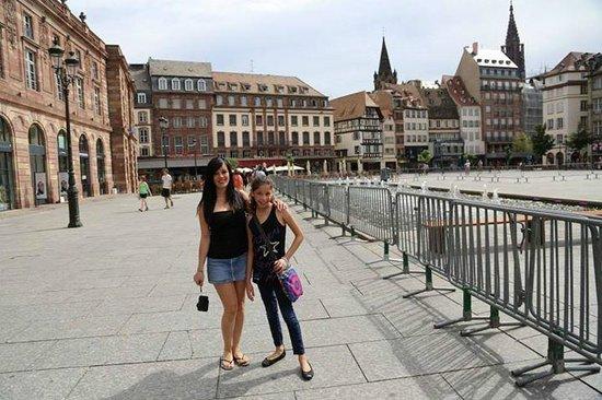 Plaza del Mercado (Plaça del Mercat): alrededores