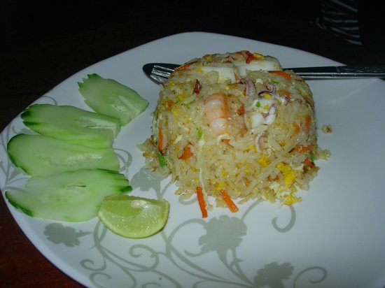 Magic Resort: Fried rice with seafood