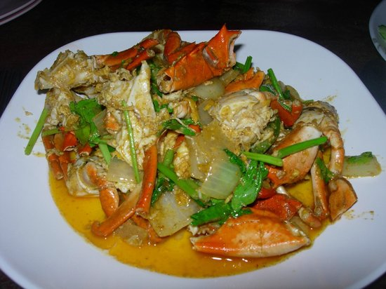 Magic Resort: Crab with yellow coconut