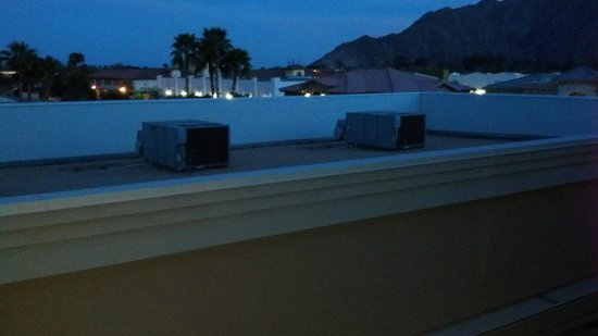Embassy Suites by Hilton La Quinta Hotel & Spa: View from our room