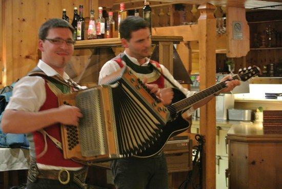 Hart im Zillertal, Autriche : sfeerfoto. Leuke muziek