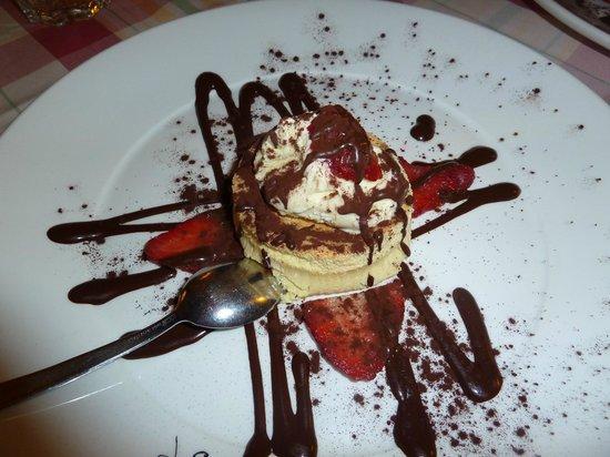 La Taverna dei Fori Imperiali : Dessert- White chocolate Souffle
