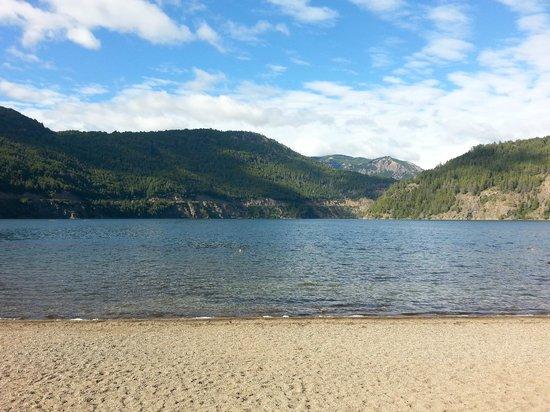 Rosas Blancas Apart Hotel: lago huechulafquen