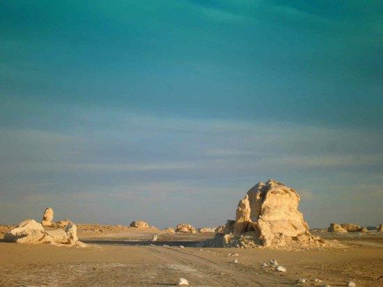 White Desert: desert