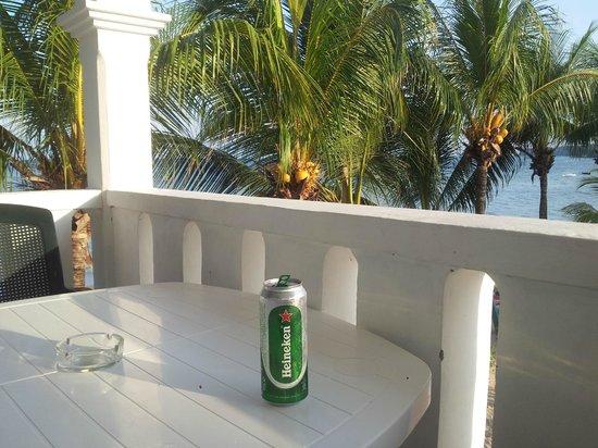 Jamelah Beach Guest House: Balkon