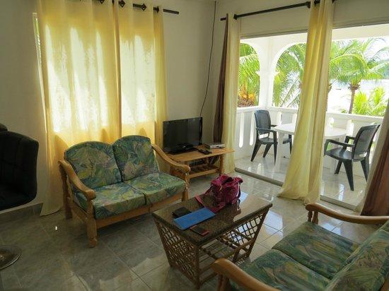 Jamelah Beach Guest House: Wohnzimmer
