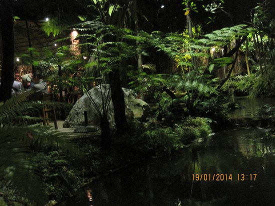 Khaomao-Khaofang Restaurant : ...e mille cascate