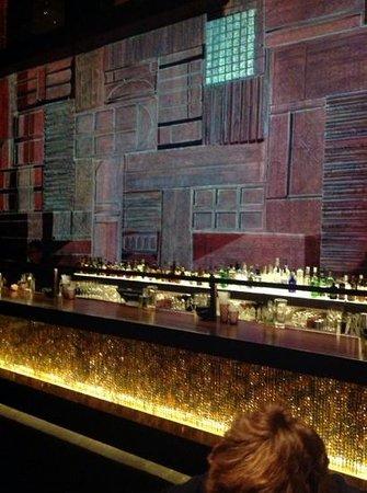 Qbara : Wall mapping amazing