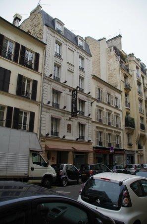 Hotel Longchamp Elysees : hotel facade