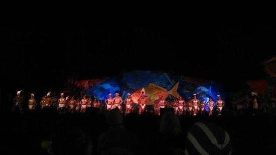 Hostal Pukao: Conjunto juvenil de la fiesta Tapati