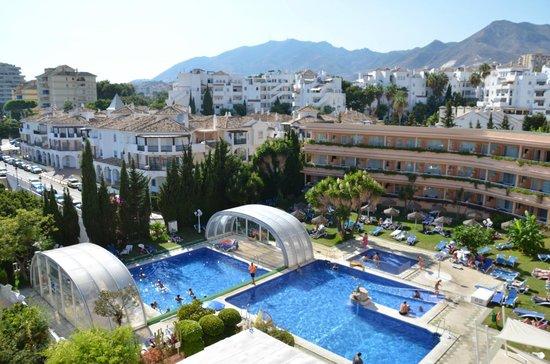 Palia La Roca Hotel-Club : vue sur la colline