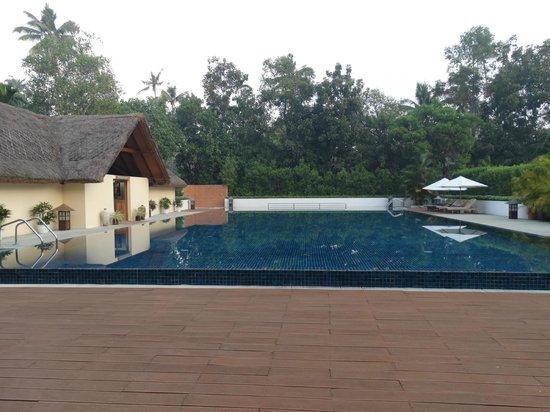 Carnoustie Ayurveda & Wellness Resort: the main big pool