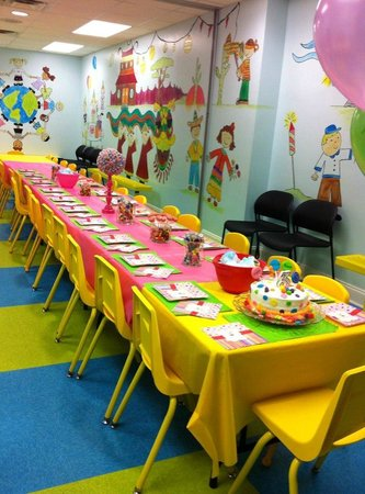 Hammond, Луизиана: A Double Celebration party, set up and decorations provided by parents