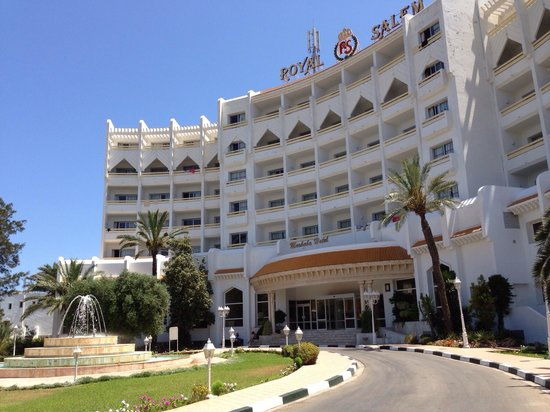 Marhaba Royal Salem: The front of hotel