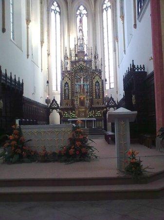 Dominican Monastery: Altarpiece in apse