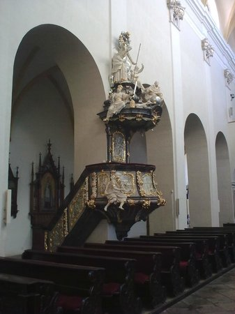Dominican Monastery : Pulpit