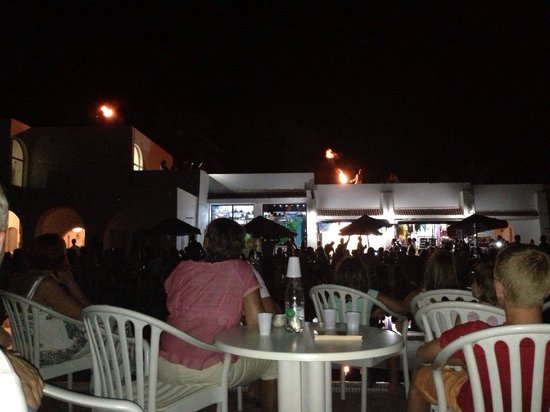 Marhaba Royal Salem: Evening entertainment, very busy.