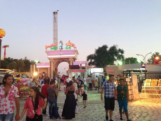 Marhaba Royal Salem: Fun fair in PEK