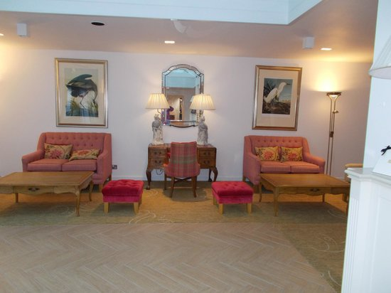 Champneys Springs Health Resort: Reception area