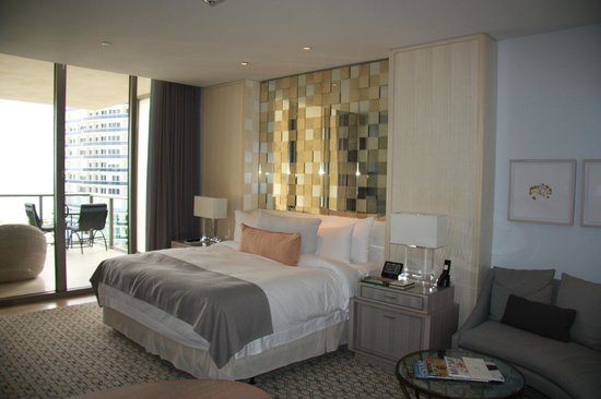 The St. Regis Bal Harbour Resort : Bed 2