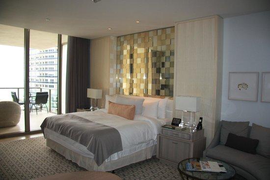 The St. Regis Bal Harbour Resort: Bed 2