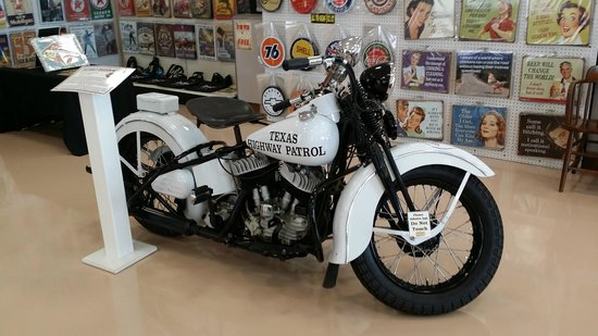 Dick's Classic Garage: The Texas Police drove these Harleys!