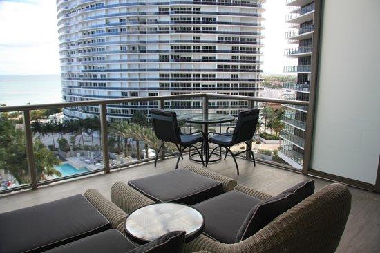 The St. Regis Bal Harbour Resort: Balcony