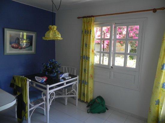 La Concha Apartments: Intenro appartamento