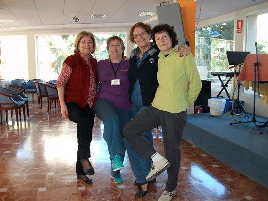 Blue Sea Calas Marina: Gracias Maria Angeles por tu amistad, las chicas de la cuadrilla.
