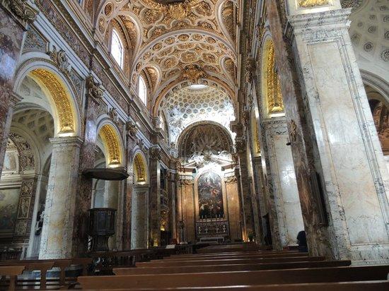 Miles & Miles Tour Company - Tours: Vatican Museum Hallway